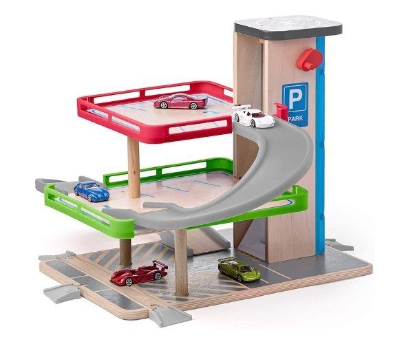 Puidust autorada 'Parkimismaja' + 2 mudelautot, rongirajaga ühildatav